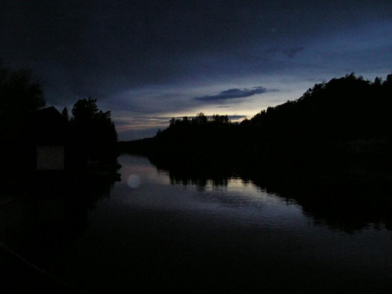 dusk-1560523